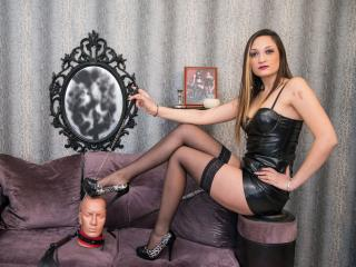 KinkySarra - Sexy live show with sex cam on XloveCam