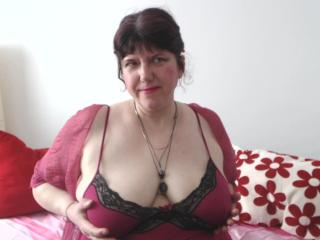 MatureAnais - Webcam xXx with this being from Europe Lady over 35