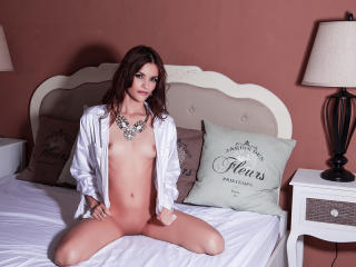 CutieAlizee - Show live sex with a trimmed sexual organ Hot babe