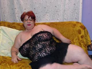 OneSpicyLady - online show nude with this shaved vagina MILF
