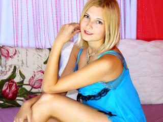 Sunflare - Webcam live sex with a ordinary body shape Young lady