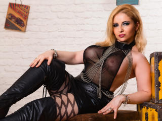 Vixenmilf - Show live hard with a blond Fetish