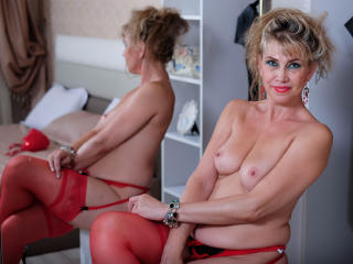 LadyMariahX - Show live hard with a immense hooter Mature