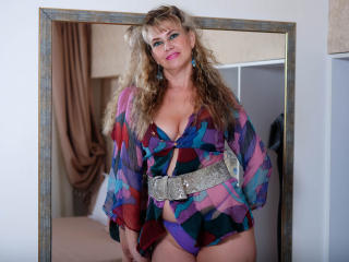 LadyMariahX - Live hard with a Sexy mother with big bosoms