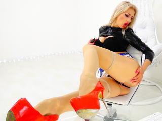 Sexy nude photo of LouisaCream
