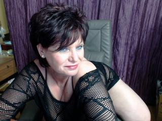 ScarletMature - Chat live hard with this shaved vagina Sexy mother