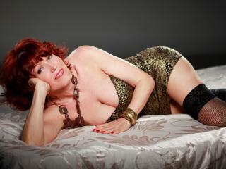RedHeadMature - Chat cam exciting with this White MILF