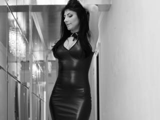 SoniaMartiny - Live cam hard with a shaved sexual organ Hot chicks