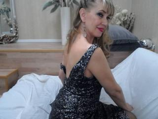 LadyMariahX - Live chat sexy with this golden hair Lady over 35