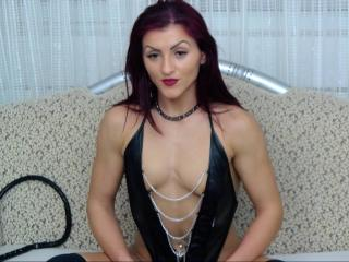 QueenStrong - Sexy live show with sex cam on XloveCam®