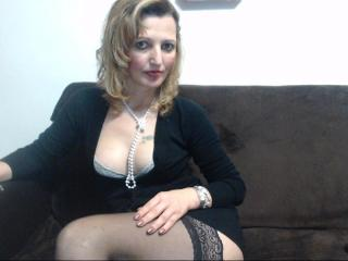SexyCoco - Live cam x with a golden hair Gorgeous lady