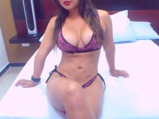 JesikaHotty - Sexy live show with sex cam on XloveCam®