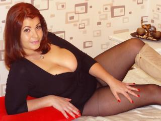 Melyssa69 - chat online hot with a shaved private part Lady over 35