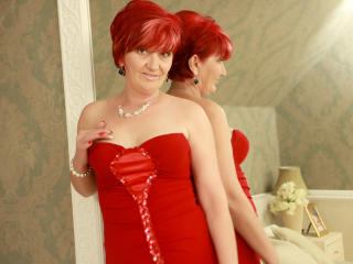 ExperiencedAlana - Chat x with a golden hair Lady over 35
