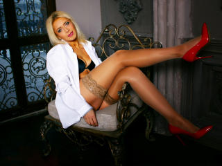 MillyMilfy - Sexy live show with sex cam on XloveCam®