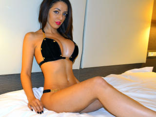 MashaFountaine - Sexy live show with sex cam on XloveCam®