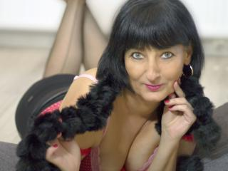 AdriannaMature - Chat cam sexy with a ordinary body shape MILF