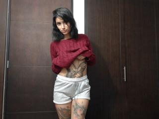 PrincesaBibiana - Chat nude with a shaved pussy Young lady