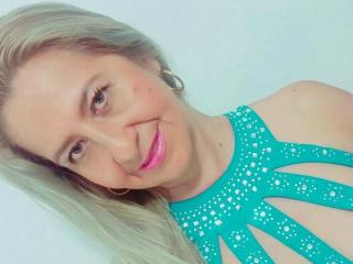 PrettyLadyNaughty - Sexy live show with sex cam on XloveCam®