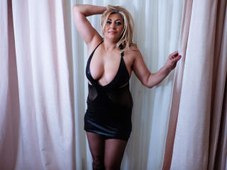 MatureEroticForYou - Webcam live hot with this standard body Sexy mother