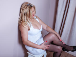 MatureEroticForYou - Webcam live exciting with this ordinary body shape MILF