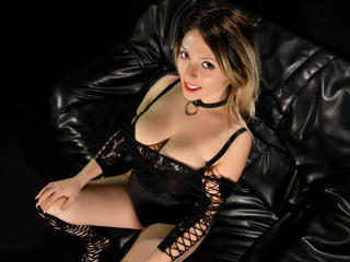 HeavenlyBeauty - Sexy live show with sex cam on XloveCam®