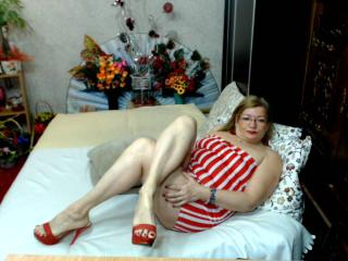 Cristinne69 - Chat hot with a gold hair Mature
