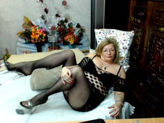 Cristinne69 - online show xXx with a unshaven private part Lady over 35