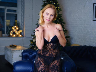 NatalySun - Sexy live show with sex cam on XloveCam®