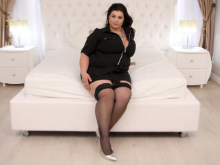 OneHotPenellope - online chat nude with a shaved genital area Sexy mother