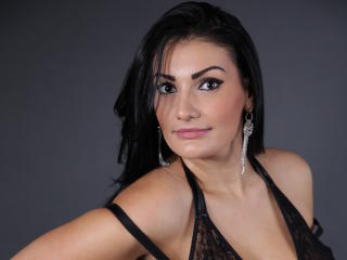 CherryAmour - Chat cam exciting with a European Young and sexy lady