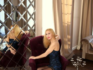 BlondPussy - Chat x with a blond Horny lady
