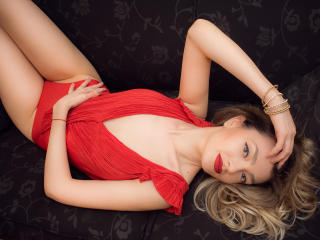 CherieMoniquee - Sexy live show with sex cam on XloveCam®