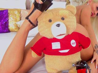 MissZhanna - Chat sex with this shaved sexual organ Young lady