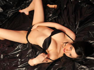 NellySexx - Sexy live show with sex cam on XloveCam®