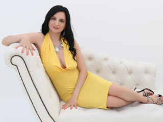 MadameAlexaX - online chat x with a black hair MILF