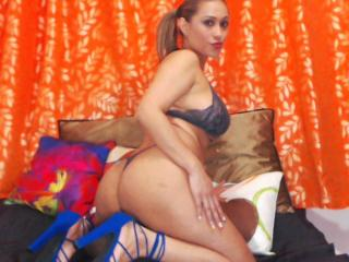 GinerieX - chat online hot with this shaved pussy Horny lady