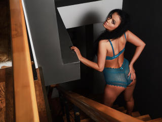 BelleCarmela - Sexy show en live webcam-sex op XloveCam®