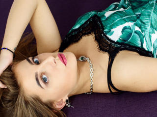 AmelyBoo - Sexy live show with sex cam on sex.cam