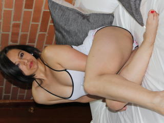BellaLolita - Live sexy with a dark hair Hot chicks