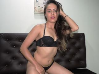 ConejitaLinda - Sexy live show with sex cam on XloveCam®