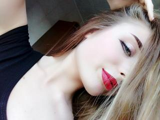 AdelaidaSea - Webcam hot with a standard boobs size Young and sexy lady