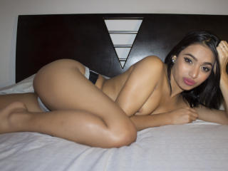 Sharlotthe - Chat live nude with a scrawny Hot chicks