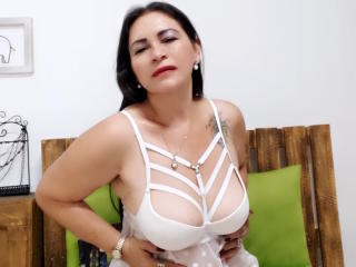 QuezNasty - Webcam nude with this latin american Mature