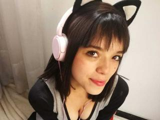Bellacute - Webcam live exciting with a Young lady