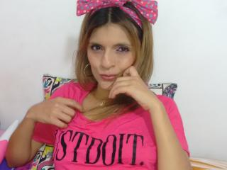 SexxiLatina - chat online hard with a latin College hotties