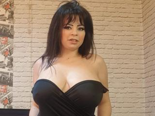 SexyHotSamira - Live cam hard with this well built Sexy babes