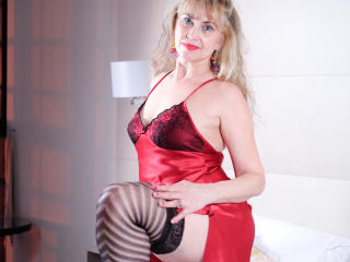 LadyMariahX - Chat live hot with this shaved sexual organ Sexy mother