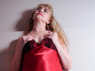 LadyMariahX - Chat cam xXx with a being from Europe MILF