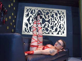 MelinaBustingKinky - Video chat xXx with this chestnut hair Dominatrix